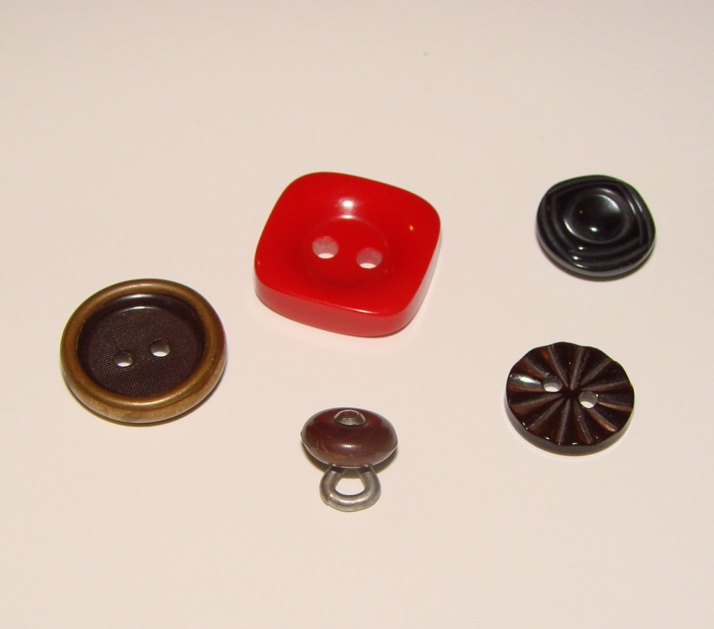 Button Rings (4)